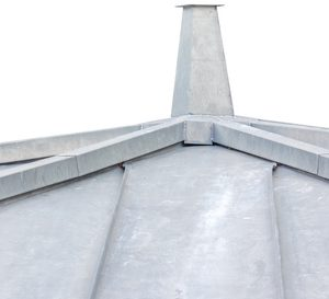 toiture en zinc, fond blanc
